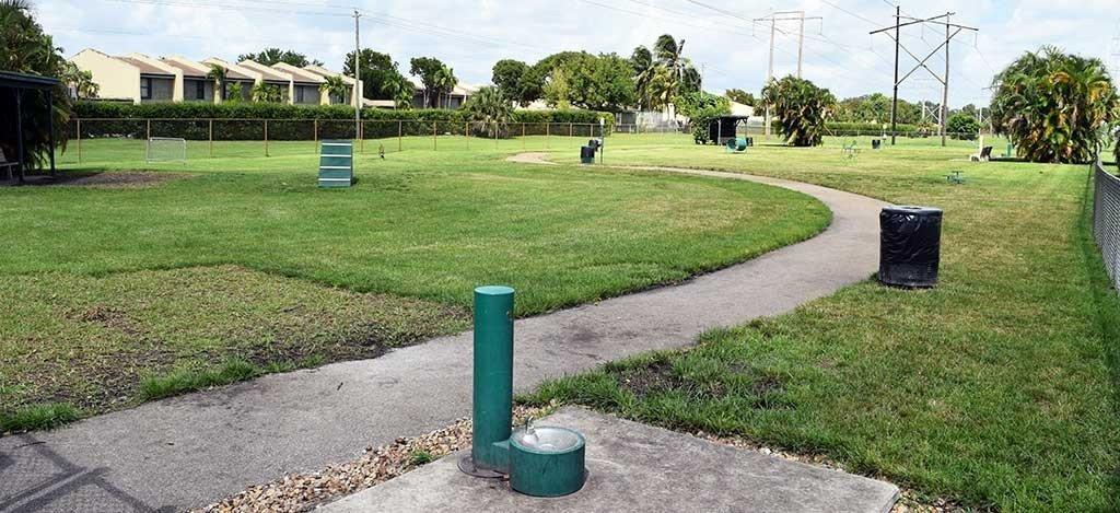 Pembroke Pines Dog Park Large Dog Side 1