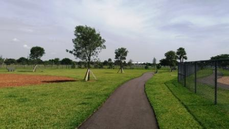 Lake-Woof-Dog-Park-paved-path-John-Prince-Park